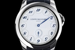 Ludovic-Ballouard-Upside-Down-Edition-Speciale-Acier-Movement-cadran-blanc